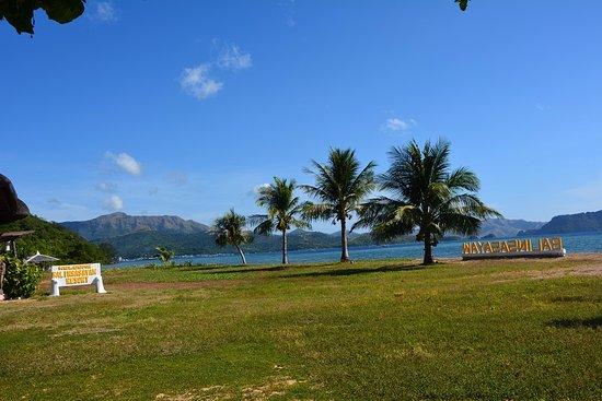 Balinsasayaw Resort: In front of the restaurant