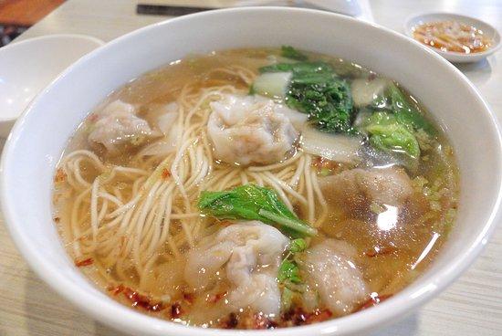 ワンタン麺 - 松山、小上海の写...
