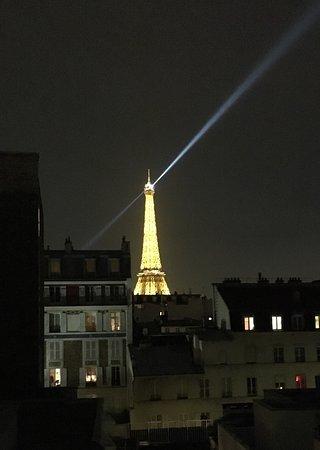 Tour Eiffel Vue De La Chambre Photo De Hotel Jardins D Eiffel