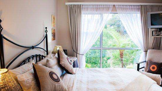Sabie, South Africa: Queen Room 2 with en-suite Shower/Bath