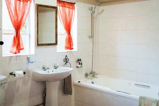 Sabie, South Africa: Queen Room 2 en-suite