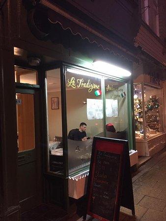 Sowerby Bridge, UK: Italian Bistro and Gourmet Pizzeria