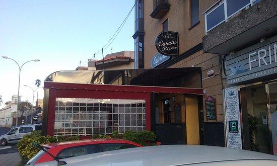 La Matanza de Acentejo, Spain: Terraza de la cafetería