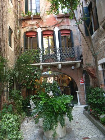 Courtyard At Back Of Hotel Flora In Venice Picture Of Hotel