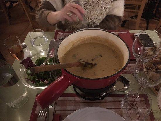 Ла-Саль-лез-Альп, Франция: fondue aux morilles