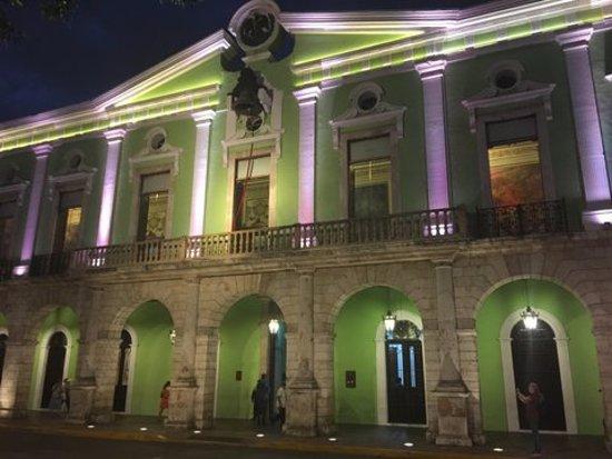 Montejo Palace: Pałac Gubernatora przy głównym placu Meridy - Zocalo.