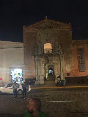 Montejo Palace: Katedra
