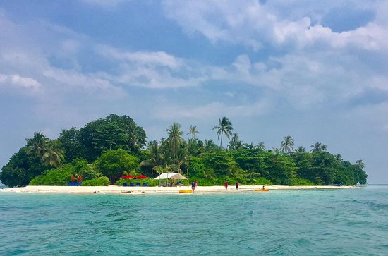 Pulau Joyo: View from the stand up paddle board!