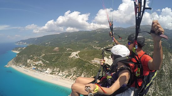 Ioannina, Greece: Paragliding Tandem flying at Lefkada