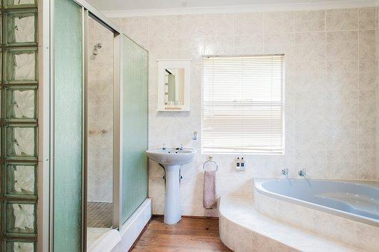 Sabie, South Africa: Triple Suite 1 en-suite