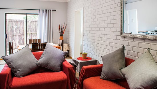 Sabie, Sydafrika: Self catering Unit 2 Lounge / Dining