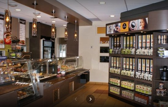 Bromont, Canada : Inside Van Houtte, one view.