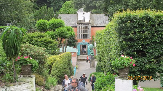 Portmeirion, UK: Narrow streets