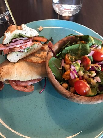 Leopardstown, Ireland: Rustic BLT
