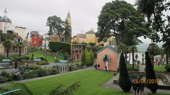 Portmeirion, UK: The flower gardens