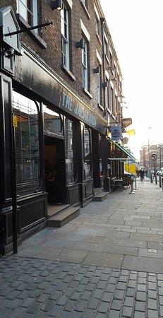 The Jacaranda Club: Superb bar.