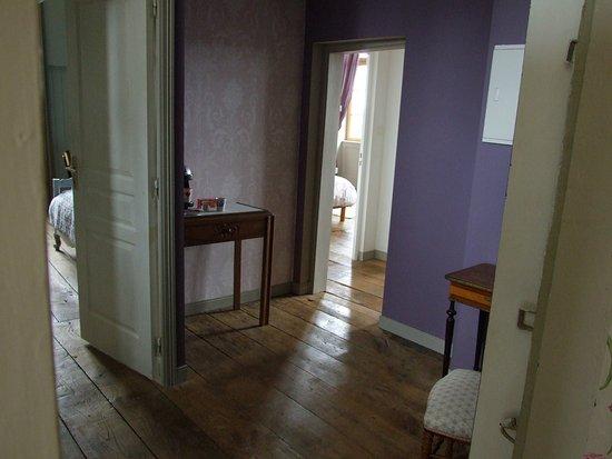Fougeres, France: Suite Angélique Louise. Anti chambre et chambre 1 et 2