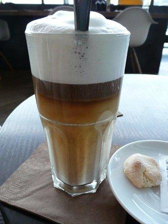 Kloten, Switzerland: schön gemachter Latte