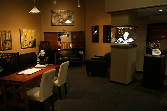 Lewiston, ME: Qualified jewelry appraisals done onsite by our Certified Gemologist Appraiser