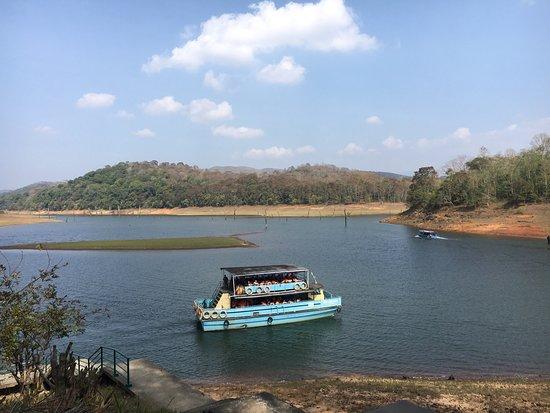 KTDC Lake Palace Thekkady: Beautiful palace in serene surrounding