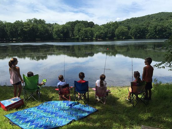 Mahwah, نيو جيرسي: Fishing
