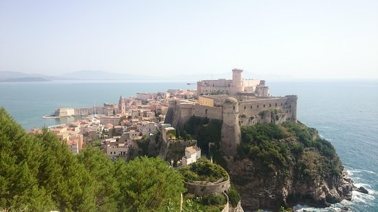 Grand Hotel Le Rocce: surrounding area