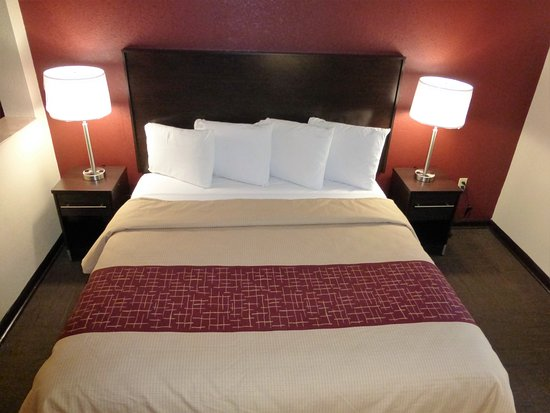 Red Roof Inn & Suites Opelika