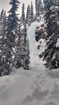 Panorama, Canada: Ice Falls that we took a short hike to on the way down