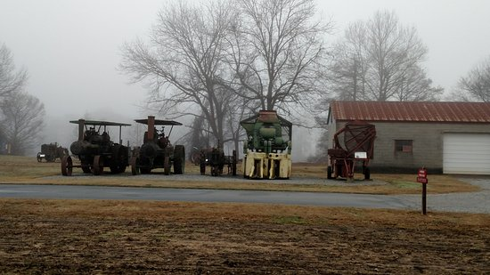Plantation Agriculture Museum: historical tractors