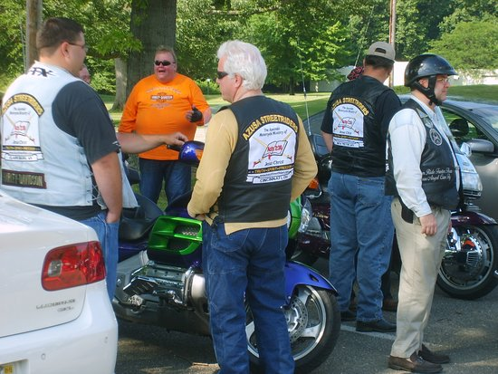 Warren, OH: Riders getting ready