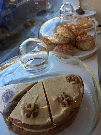 Ilminster, UK: Delicious home made cakes