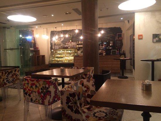 Cafe Mademoiselle: photo1.jpg