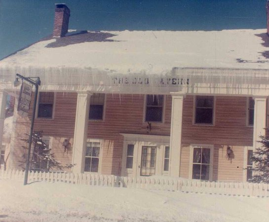 Manchester, VT: Circa 1967, before the E was added to the word Old in Ye Olde Tavern.