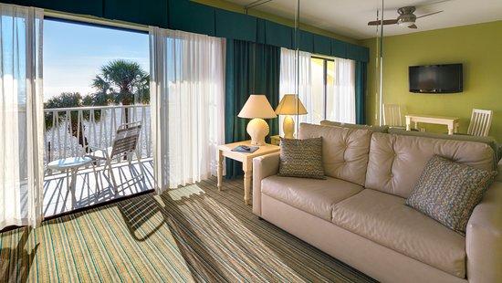 Alden Suites: Deluxe Gulf front Living Room