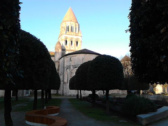 Saintes, France: Eglise Ste Marie