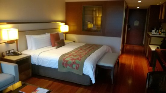 Shangri-La Hotel, Singapore: Very comfortable bed