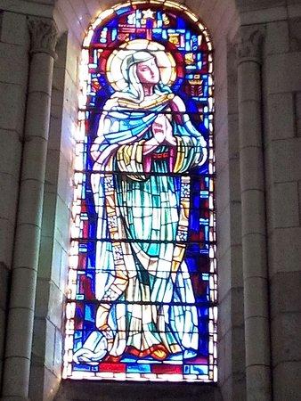 Saintes, France: Vitrail de Ste Marie