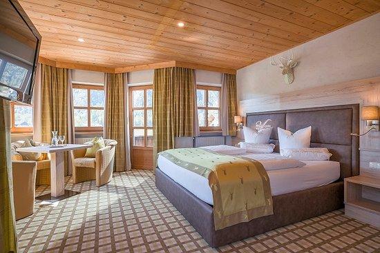 Photo of Hotel Vier Jahreszeiten Maurach