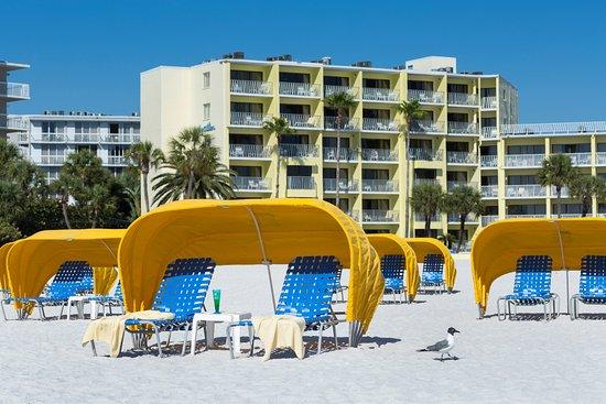 Alden Suites: Cabana Chairs