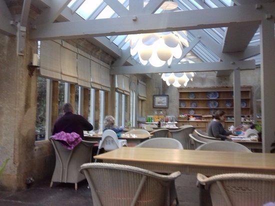 Bradford-on-Avon, UK: Conservatory dining room