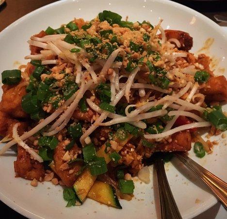 Roseville, CA: Bangkok street noodles