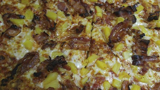 ‪‪Merrimack‬, ‪New Hampshire‬: Pineapple Bacon Pizza !!‬