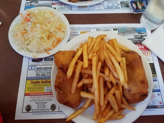 Dartmouth, Kanada: Fish N Chips with a side of cole slaw
