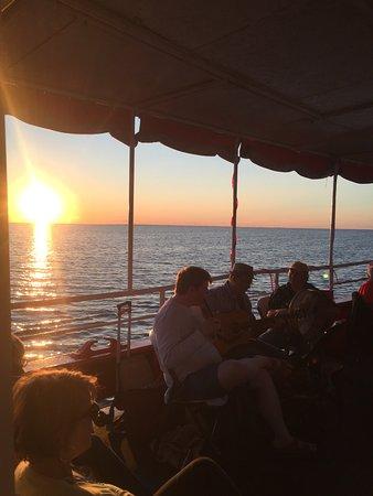 สเตอร์เกียนเบย์, วิสคอนซิน: Ride The Fireboat