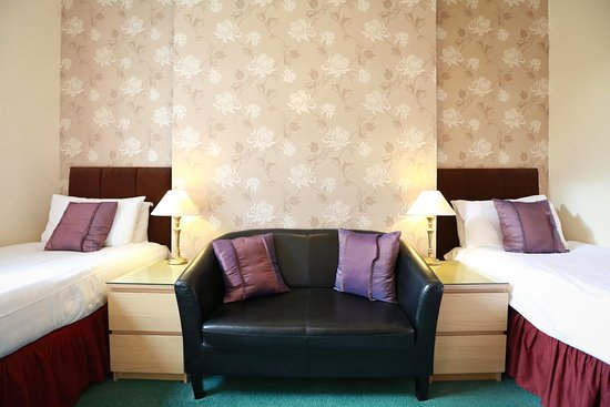 Twin Room Not Yet Refurbished Picture Of The Chocolate Box Hotel Bournemouth Tripadvisor