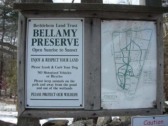 Bethlehem, CT: Trail head in the preserve.