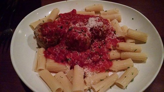 Chula Vista, CA: Meatballs Spaghetti with traditional meat sauce