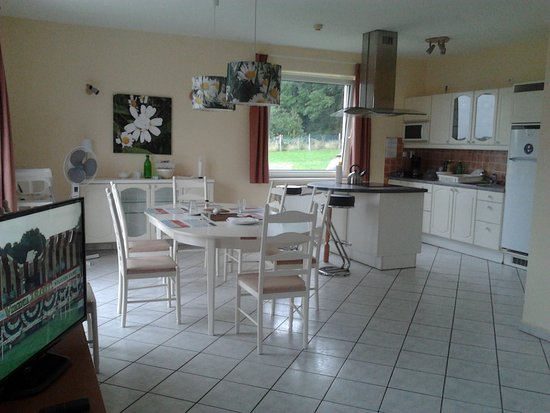 Vargesztes, ฮังการี: Teljesen felszerelt konyha vart. Es patyolat tiszta minden !