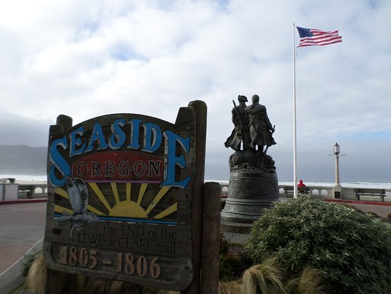 Turnaround at Seaside: Beautiful, but windy, December day to enjoy the turnabout.