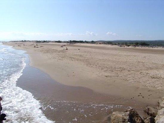 Torreilles, Francia: La plage est à trois kilomètres de l'hôtel.